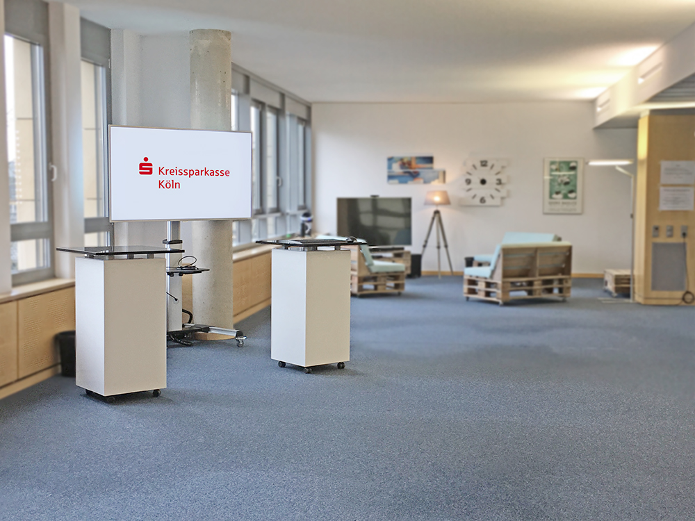 Stehtisch mit Rollen für die Sparkasse Köln